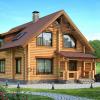 Варианты домов из оцилиндрованного бревна весьма популярны.
