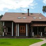 Фото домов из оцилиндрованного бревна