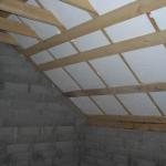 Как построить потолок в кирпичном доме?