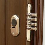 Как поменять замок в двери?
