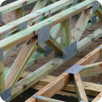 Монтаж деревянных балок перекрытия 6 м
