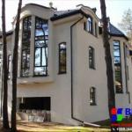 Дома с витражными окнами