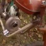 Видео как выброть бензо пилу