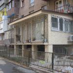 Как построить балкон на первом этаже?