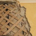 Чем отделать стены из глины