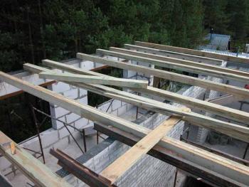 Как расчитать шаг деревянных балок?