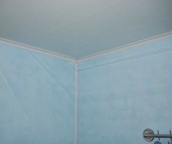 Стены в ванной из пластиковых панелей своими руками